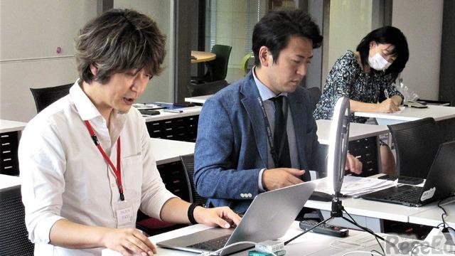 授業を展開するガイアックス佐々木氏と木之下先生